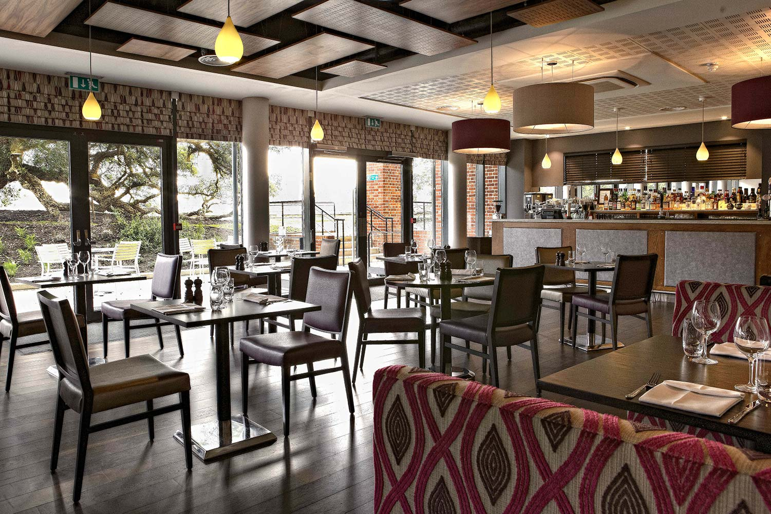 Dinner and a show with free prosecco lakeside theatre for Hotel design uk